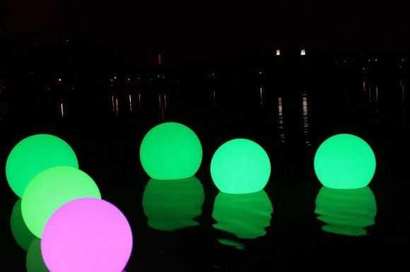 Использование светодиодного шара в водоеме